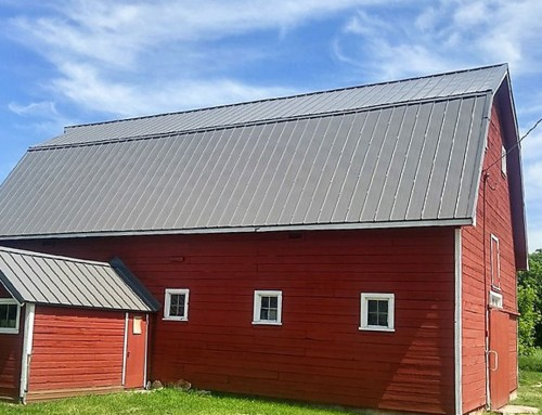 Red Barn – Metal Roof